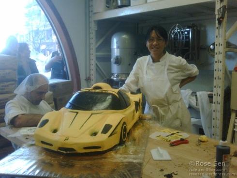 Ferarri Enzo Car Cake