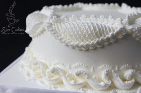 Royal Icing Piping on Cake