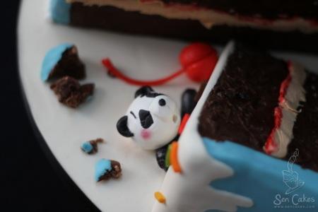 Gumpaste Panda Figure