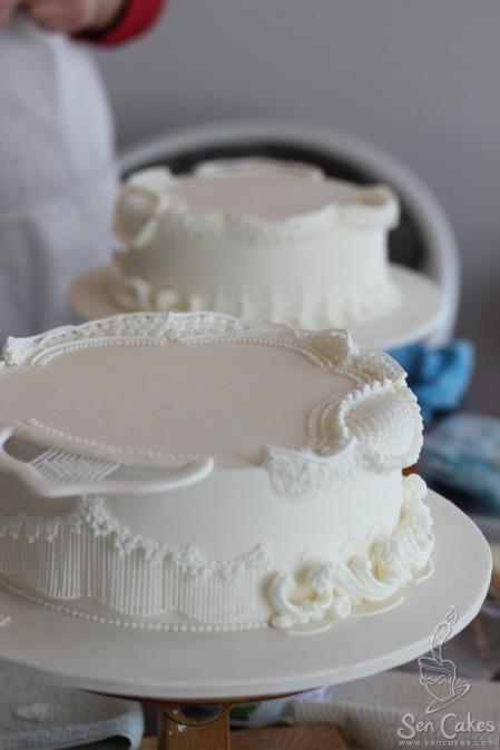 16 Royal Icing Cake